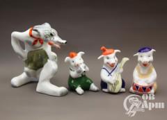 """Скульптурная композиция """"Волк и три поросёнка"""""""
